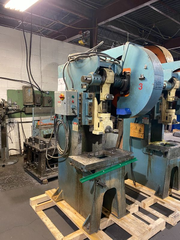 USED REFURBISHED 33 TONS FULL-REVOLUTION